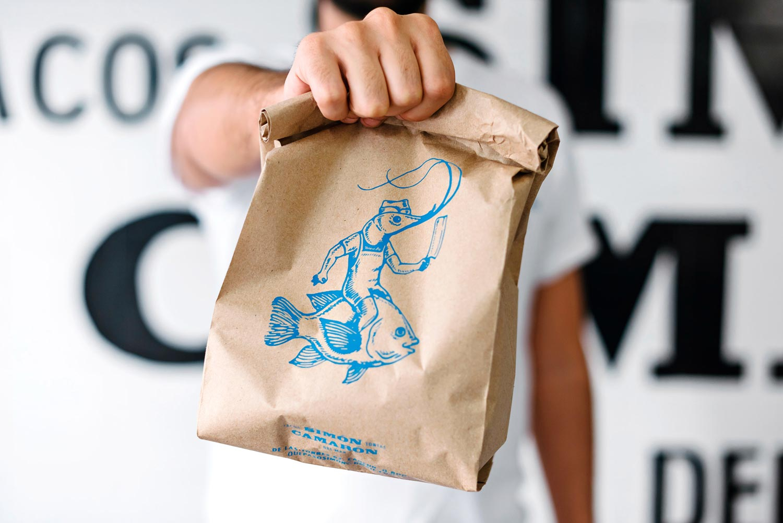 Simón-Camarón-—-Seafood-Taco-Place-by-vegrande